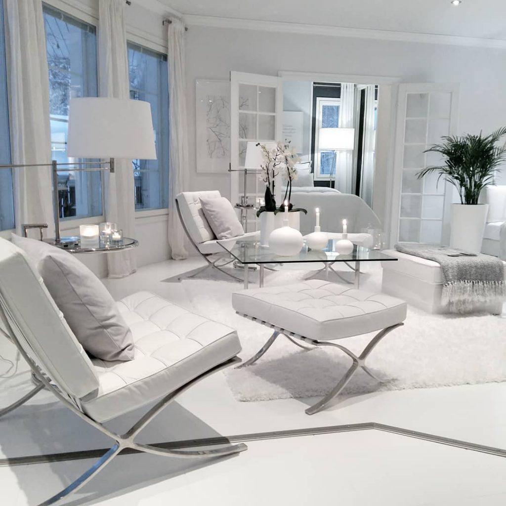 Pure white in decor